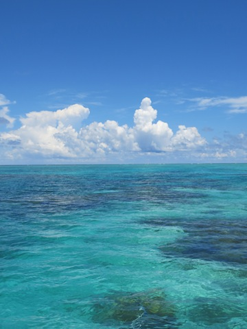石垣島の青空と海