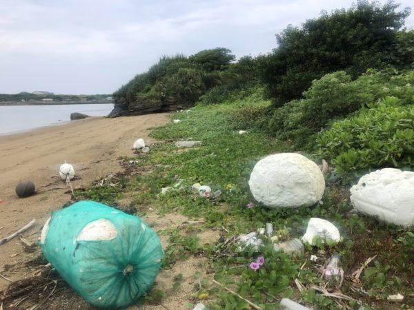 漂流ゴミが多いビーチ